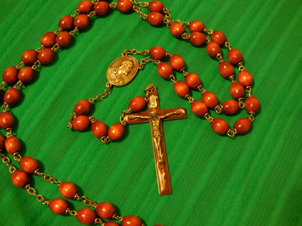 rosary_green_background 008